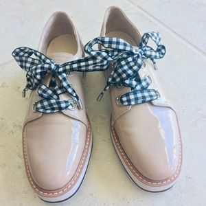 Blush Oxford Shoes with Laces